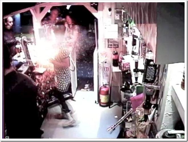 exploding e cigarette thumb255B2255D 2 - 【VAPE】自動車の炎上事故も!よくある電子タバコの爆発と危険性を防止するために米国FDAが規制を強化するべき