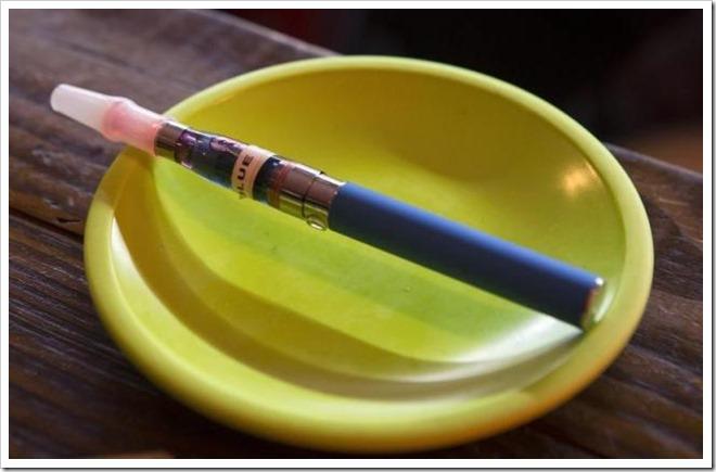 Vapeee thumb255B2255D 2 - 【規制ヤバイ】アメリカ、航空機で電子タバコの預かり荷物禁止、機内充電禁止、機内利用禁止!!【妥当】