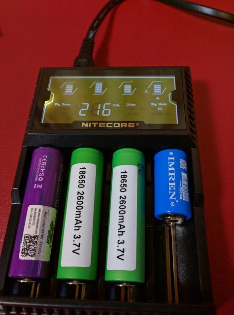 IMG 20160610 195742 2 - 【NITECORE D4 バッテリーチャージャー】 NITECORE D4 ナイトコア 全自動デジタル/マルチ充電器 Digicharger D4 【バッテリー4本充電可能なチャージャー】