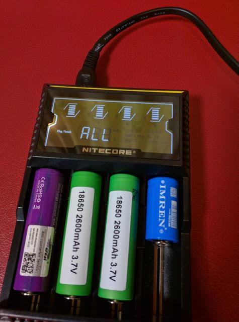 IMG 20160610 213257 2 - 【NITECORE D4 バッテリーチャージャー】 NITECORE D4 ナイトコア 全自動デジタル/マルチ充電器 Digicharger D4 【バッテリー4本充電可能なチャージャー】