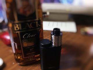 image2 Fotor 2 - 【VAPEコラム】電子タバコとウイスキーの相性は抜群?電子タバコとお酒の相性について考えよう!