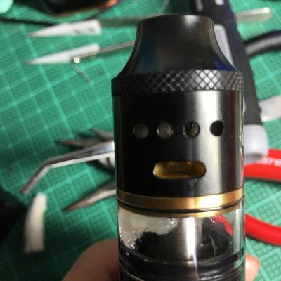 IMG 0914 2 - 【RDTA/RDA】COILART MAGE COMBO RDTA&RDAレビュー。 爆煙好きにはたまらない一品!【爆煙】
