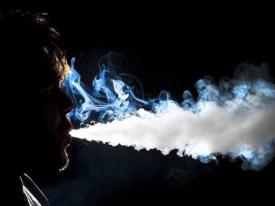 What are the Dangers of Vaping thumb255B2255D 2 400x300 - 【朗報】新タバコ規制「VAPE/iQOS」は対象外!!受動喫煙の健康被害が科学的に不明のため【電子タバコ/VAPE大勝利?】