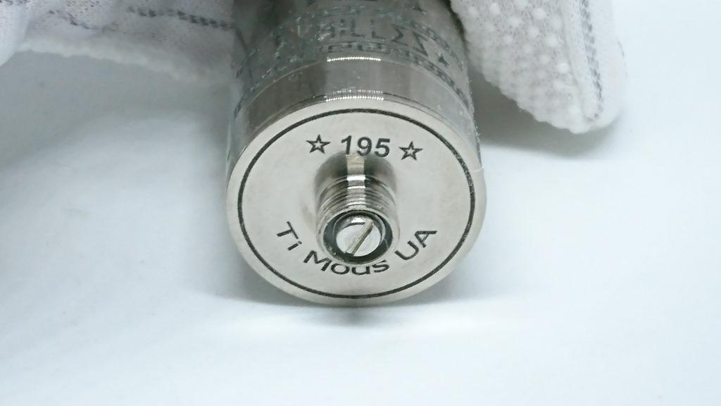 DSC 64485 - 【RDA】「ACHILLES II RDA by Titanium MODS」(アキレス2RDA)エングレービング付モデルレビュー!フルチタンボディで軽量、英雄アキレスの掘りが所有欲を満たしてくれるフレーバーチェイサー御用達モデル!【ドリッパー/フレーバー/電子タバコ】