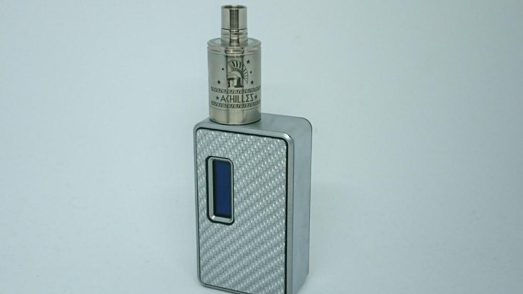 DSC 64584 - 【RDA】「ACHILLES II RDA by Titanium MODS」(アキレス2RDA)エングレービング付モデルレビュー!フルチタンボディで軽量、英雄アキレスの掘りが所有欲を満たしてくれるフレーバーチェイサー御用達モデル!【ドリッパー/フレーバー/電子タバコ】