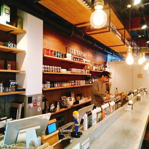 24530 thumb - 【ショップ】大阪府西区新町「LIT VAPOR VAPE Bar & Lounge(リットベイパー)」に行ってみた。おいしいお酒を飲めるVAPE&バー!Webショップもオープン。【大阪VAPE PARTY 冬の陣 #02ショップ訪問日記編】