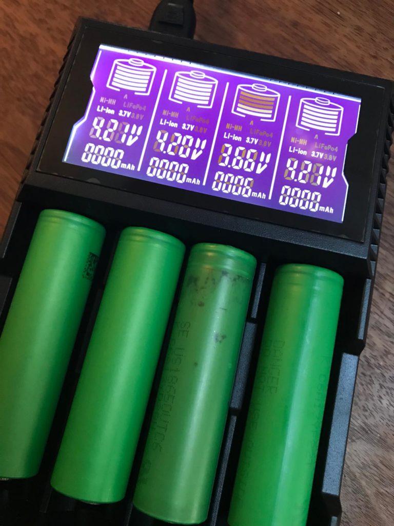 25551601 10208147434922059 679397469 o 768x1024 - 【レビュー】18650、4本高速充電!「GOLISI L4 Intelligent Digi Charger」は低価格で液晶がカッコイイ!【バッテリーチャージャー】