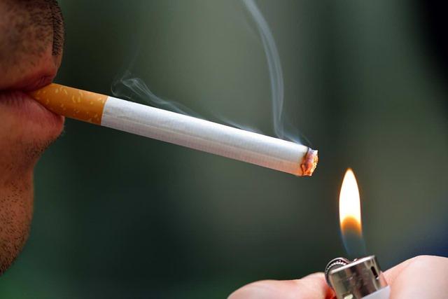9e290840 thumb - 【NEWS】加熱式たばこ(IQOS,glo,ヴェポライザー)原則禁煙と厚労省が発表。喫煙者への風当たりきつし