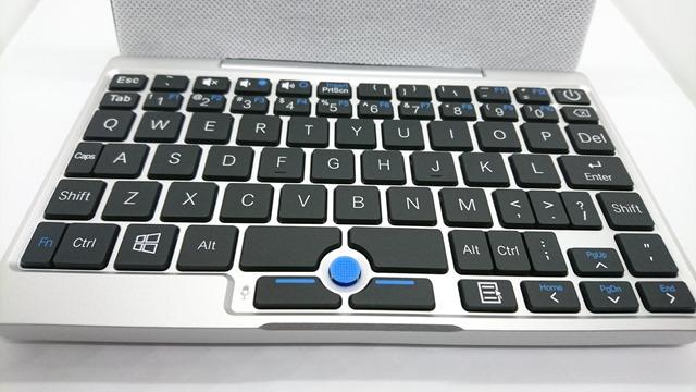 DSC 7989 thumb 1 - 【レビュー】GPD Pocket(ジーピーディーポケット)超モバイルPCは思った通り軽かった!コンパクトサイズに必要最大限が詰まった夢のウルトラモバイルパソコン【ガジェット/タブレット/ノートPC】