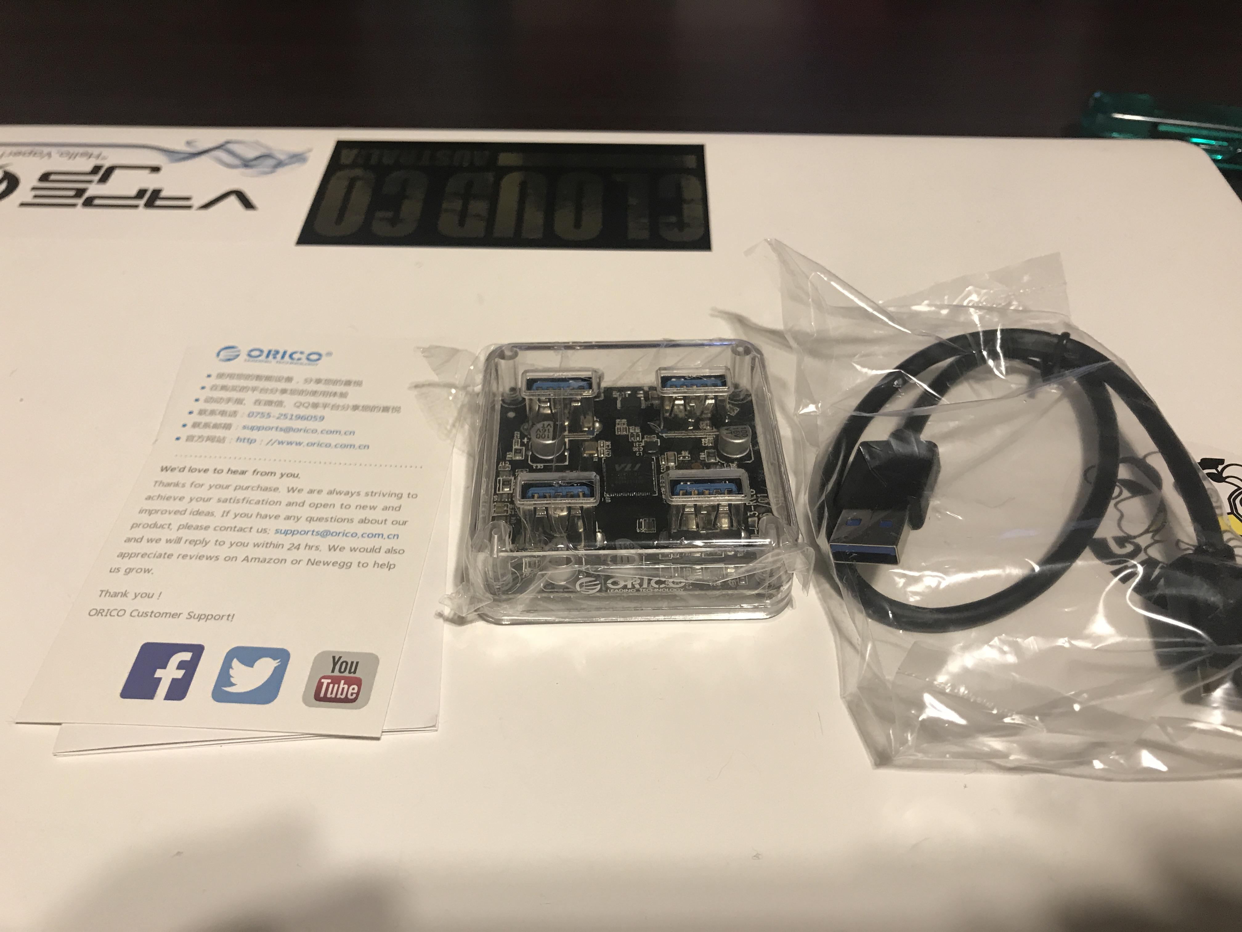 IMG 6550 - 【ガジェット】ORICO USB3.0 Transparent Desktop HUB (MH4U-U3)レビュー!スケルトンのかっこいいやつ!デスクトップに1個あると何かと便利なアイツがやってきた!【スケスケボディ】