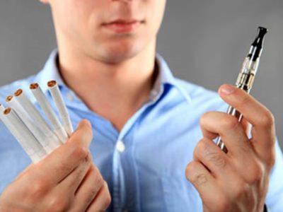 Vaping NOT Smoking thumb 400x300 - 【タバコ】喫煙者は一箇所に集めて集中管理すればいいのに完全禁煙などするからゲリラ喫煙しちゃう