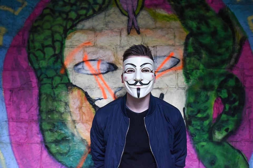 anonymous 1334775 960 720 - 【TIPS】電子タバコは未成年でも使用できる!?
