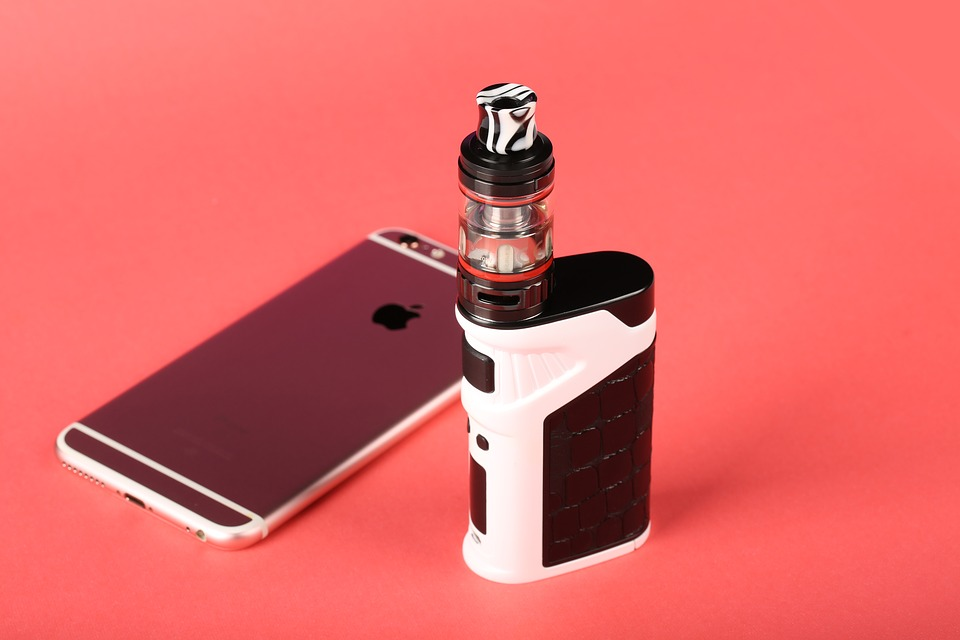 apple mobile phones 2840759 960 720 - 【TIPS】初心者もできる!?電子タバコは温度管理のポイント