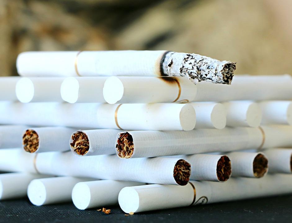 cigarette 1642232 960 720 - 【TIPS】ニコチンを含む電子タバコは買える?注意点まとめ