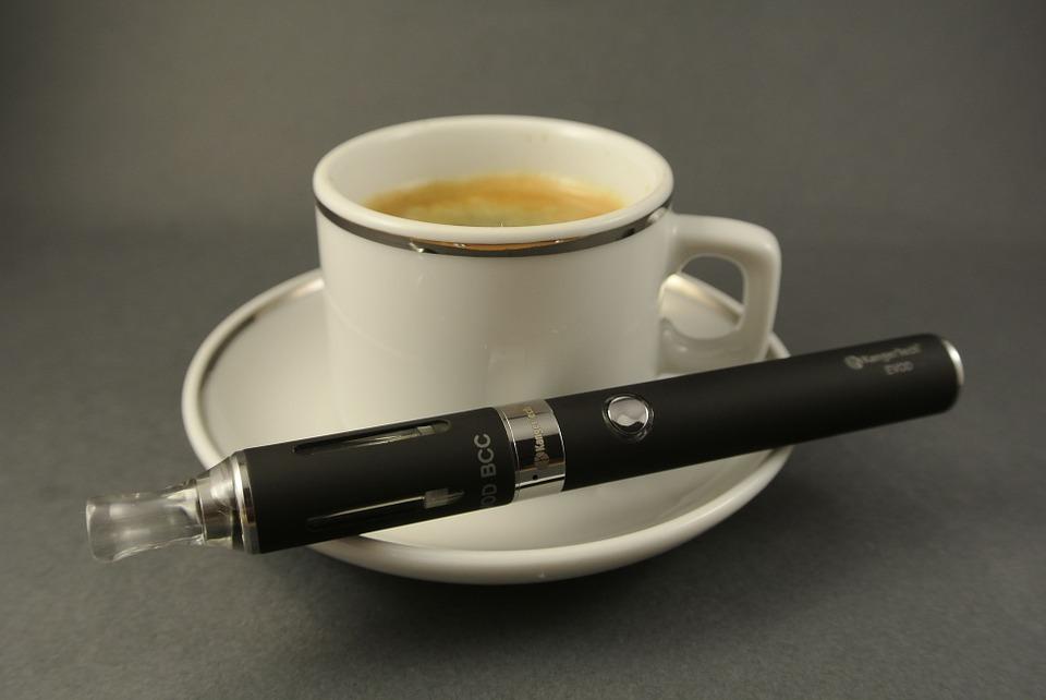 coffee 684069 960 720 1 - 【TIPS】電子タバコは路上喫煙できる?東京都23区の対応まとめ【気になるVAPE情報】