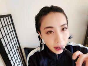 emii11 300x225 - 【レビュー】VAPE女子エィミイ、簡単・パワフル・スレンダー「gippro」で擬似喫煙体験!してみちゃいました。【電子タバコ/VAPE】