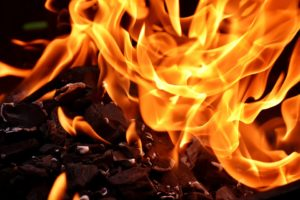 fire 2777580 960 720 300x200 - 【TIPS】電子タバコのコイルが焦げる原因と対策まとめ