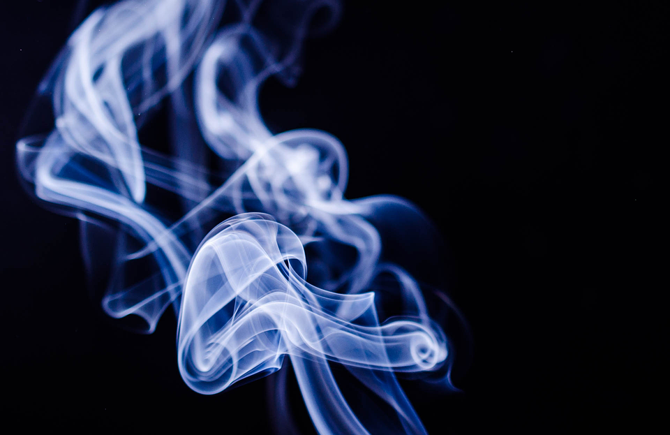 smoke 1001667 960 720 - 【TIPS】電子タバコの副流煙は有害って本当?加熱式たばこと電子タバコの副流煙について調べてみた!IQOS/GLO/Ploom techにも関係あり。