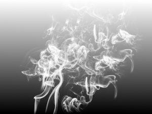 smoke 2234175 960 720 300x225 - 【初心者情報】まるで本物!?爆煙を楽しめるモデル紹介と注意点