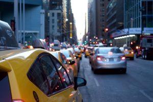 taxi 1209542 960 720 300x200 - 【TIPS】電子タバコはタクシーで吸える?専用車もある?