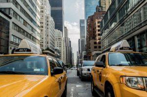taxi cab 381233 960 720 300x199 - 【TIPS】電子タバコはタクシーで吸える?専用車もある?