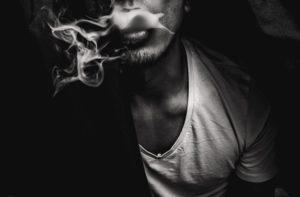 photo 1496266125541 6d5a799d0ac8 300x197 - 【TIPS】加熱式タバコのニオイ消しが必要!?消臭ケア方法まとめ