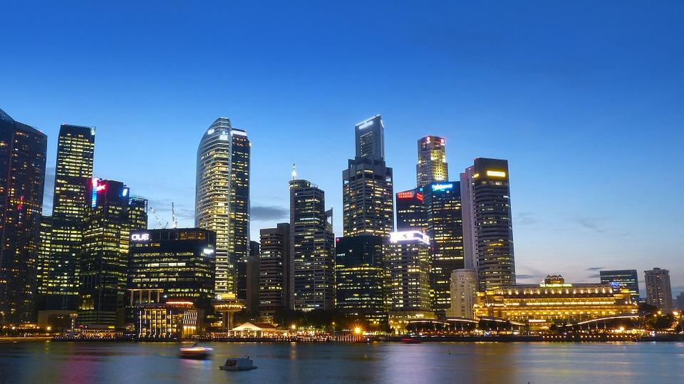 singapore 243669 960 720 - 【NEWS】シンガポールで電子タバコは違法?旅行する際は注意!