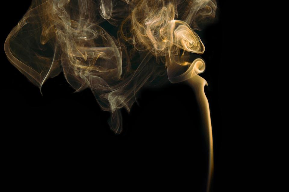 smoke 731152 960 720 - 【TIPS】IQOSアイコス互換機EFOS(イーフォス)とは?アイコスと比較!
