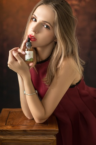 2 1P131114T01B thumb - 【レビュー】「七彩韵烟油」(チーサイユンヤユー)リキッドレビュー。甘い系のタバコフレーバー!本物のタバコ葉からタバコエッセンスを抽出した本格派煙草リキ。