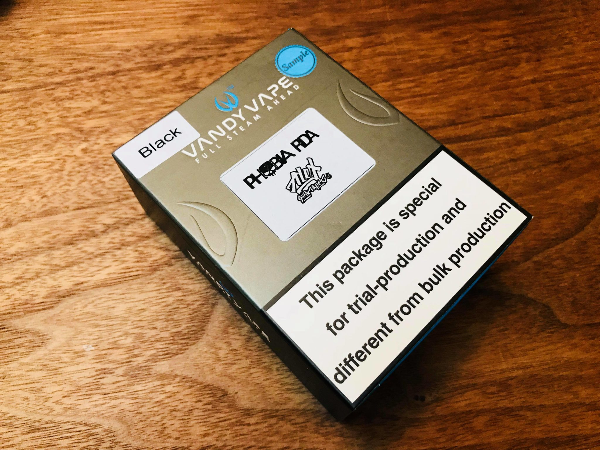 28080196 10208467237076913 161934446 o 1 - 【レビュー】Vandy Vape Phobia RDA(バンディベイプフォビアRDA)。イカツイ名前にイカツイルックス。ビルドは楽目で初心者向き。