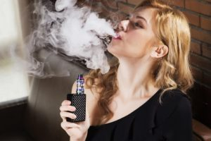beauty 2843930 960 720 1 300x200 - 【TIPS】VAPEを使うなら空気清浄機は必要?メリット・デメリットを解説!