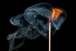 fire 1899824 960 720 300x200 - 【TIPS】口周りが熱いならヒートシンクの利用がオススメ!