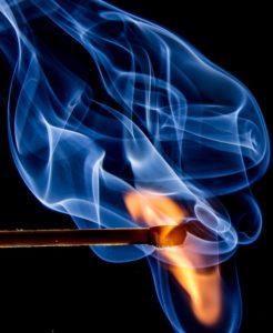 fire 545374 960 720 1 246x300 - 【TIPS】意外と知らない?VAPEを使う場合の火災報知器の注意点。お店で火災報知機を鳴らさないための教え