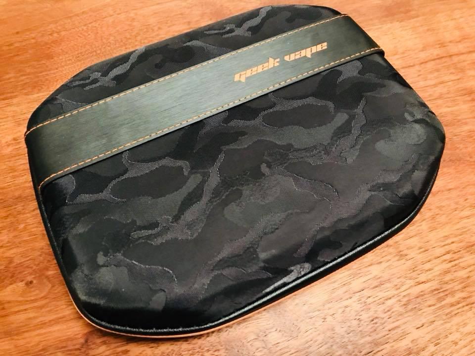29472128 10208678181750398 9119018388989935616 n - 【レビュー】VAPE用DIYツールキットの選び方。「GeekVape 521 Master Kit V3」が今もベストチョイスでは?