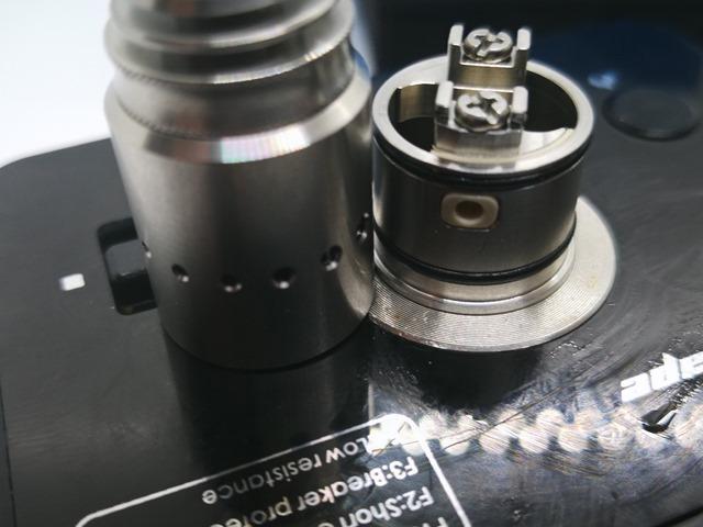IMG 20180314 164232 thumb - 【レビュー】Vandy Vape「Berserker MTL RDA」(バーサーカーMTL RDA)レビュー。フレイバーチェイスにピッタリの激安極うまドリッパー完全体。