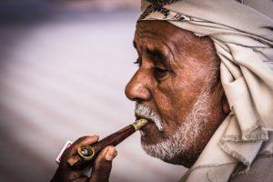 arabs 618308 960 720 300x200 - 【TIPS】レトロな魅力!おすすめのパイプ型電子タバコ3選