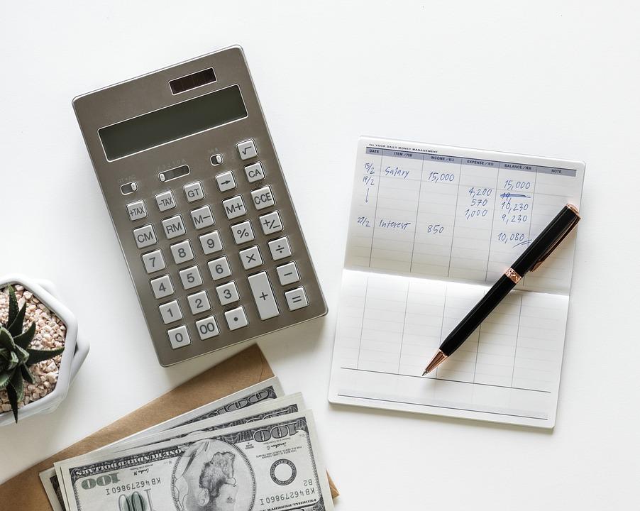 calculator 3242872 960 720 - 【TIPS】VAPEはランニングコストが安い?節約に有効って本当!?