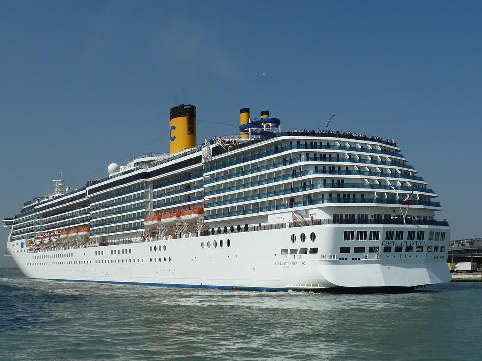 cruise 100872 960 720 - 【TIPS】船内で電子タバコは利用できる?乗船する前のポイントまとめ
