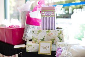gifts 2447537 960 720 300x200 - 【TIPS】レトロな魅力!おすすめのパイプ型電子タバコ3選