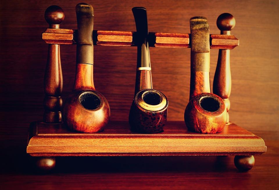 pipe 1008898 960 720 - 【TIPS】レトロな魅力!おすすめのパイプ型電子タバコ3選