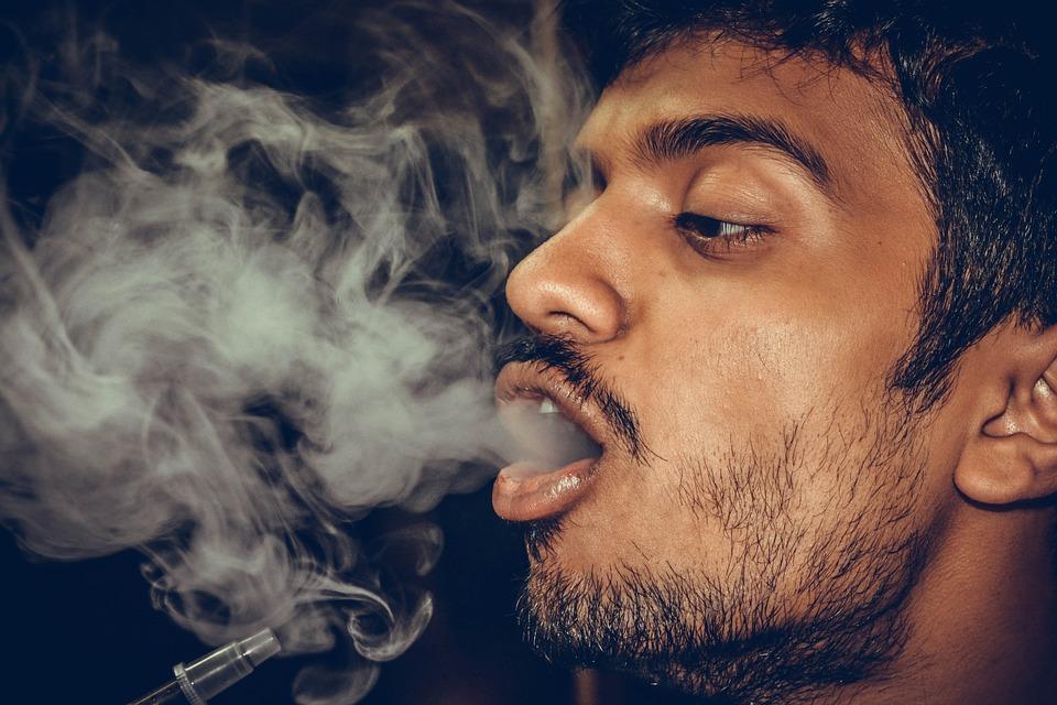 hookah 2180269 960 720 - 【TIPS】一風変わったオシャレ!?キセル型電子タバコの魅力3選