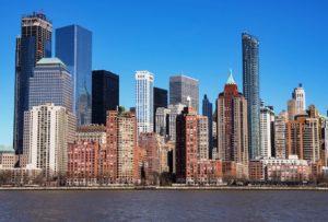 skyscraper 3270443 960 720 300x203 - 【NEWS】ニューヨークでは歩きタバコ禁止!?電子タバコはどうなる?