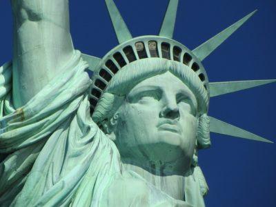 statue of liberty 267948 960 720 400x300 - 【NEWS】ニューヨークでは歩きタバコ禁止!?電子タバコはどうなる?