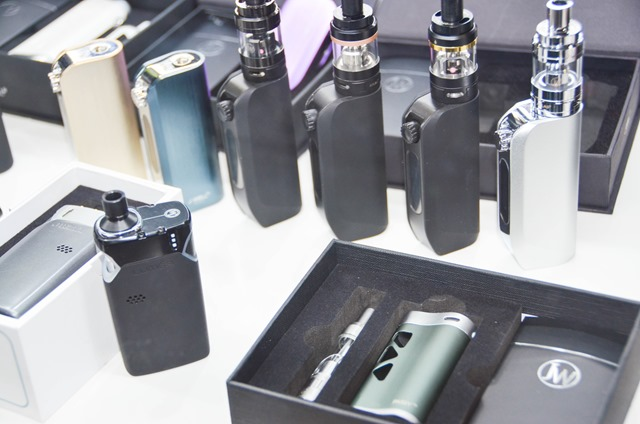 vapeexpf5 SPREDinc010 0330 thumb - 【EXPO】ブース紹介:E2 MOX(Joecig)、G1-2 GK、G1-4 株式会社ヒロ・コーポレーション、F4 Y&Q Electronic Co.、F4-1 ELDA、F4-2 DS Vaping、F5 SPREAD.inc(VAPEMARKETJP、JWELL)【VAPE EXPO JAPAN 2018】