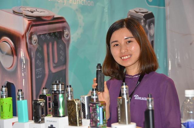 vapeexpg5 1 shenzhenkingzone008 0330 thumb - 【EXPO】ブース紹介:F6-1 LVSMOKE、G3 SMOK(スモック)、F6-6 Vapor Talk(ベイパートーク)、G5-1 KINGZONE(キングゾーン)、G5-2 MaskKing(マスクキング)、D6-2 VOTECH(ブイオーテック)【VAPE EXPO JAPAN 2018】