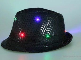 6753901 2 thumb 343x254 - 【レビュー】最近FTで買った光物3点簡易レビュー「LEDハット」「LEDキャップ」「LEDフィンガー」最強のパリピグッズはどれ?光るシューズや靴紐もあり
