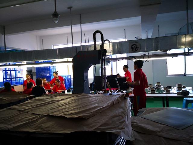 IMG 20180701 171836 thumb - 【訪問日記】ニーハオ中国。電子タバコ大国中国深セン・香港滞在記#02深センの電脳都市を体感!VAPEショップやスマホ、ガジェット大量に見てきた!先端工場の見学も。最新の電脳都市【WeChat/Alipayのすごさ】