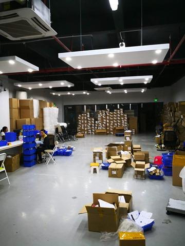 IMG 20180702 135708 thumb - 【訪問日記】ニーハオ中国。電子タバコ大国中国深セン・香港滞在記#03 Geekvape/Everzonの新社屋を見学してきたよ。最強のVAPE卸ストアがここにあり。最新の電脳都市【WeChat/Alipayのすごさ】