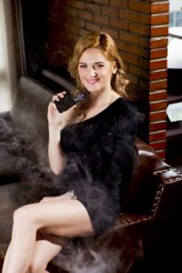 beauty 2843932 960 720 200x300 - 【TIPS】旅行先の電子タバコの対応方法を確認したい時はどうする?