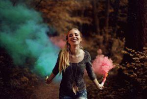 colorful 1844727 960 720 300x202 - 【TIPS】電子タバコで爆煙を楽しむコツ!おすすめのアイテムはどれ?